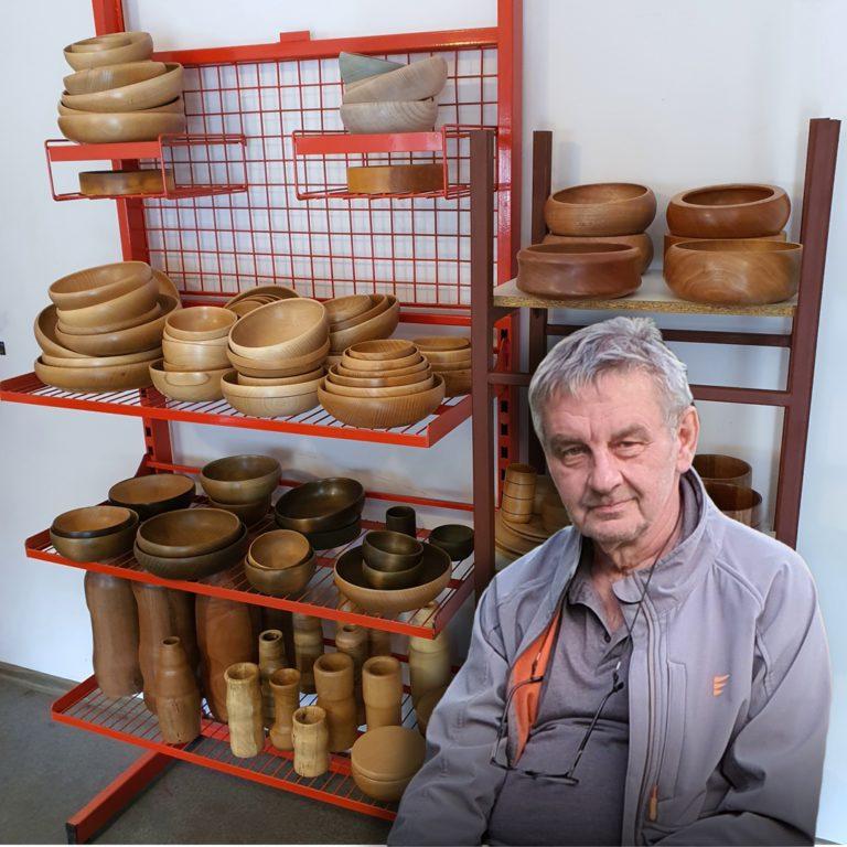 Ekspozycja misek drewnianych Bohusz