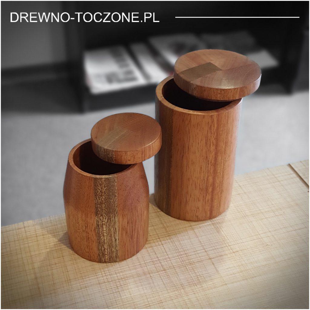 Kubki drewniane meranti z przykrywką