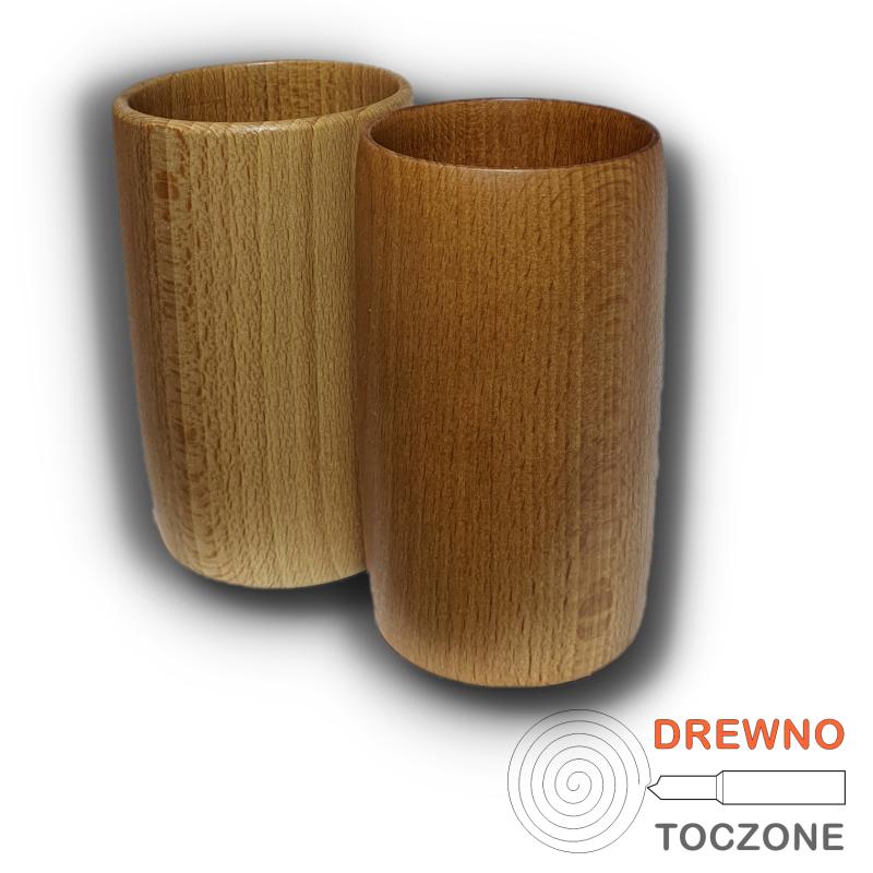 Gładkie kubki drewniane