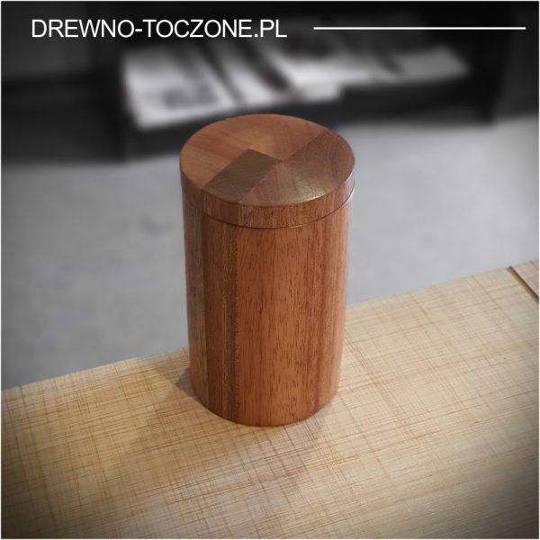 Drewniany kubek z przykrywką 1
