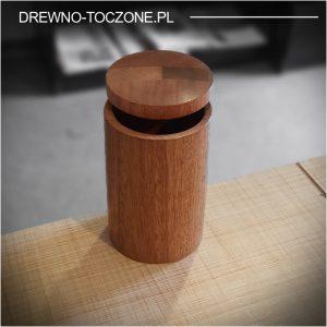 Drewniany kubek z przykrywką z drewna meranti