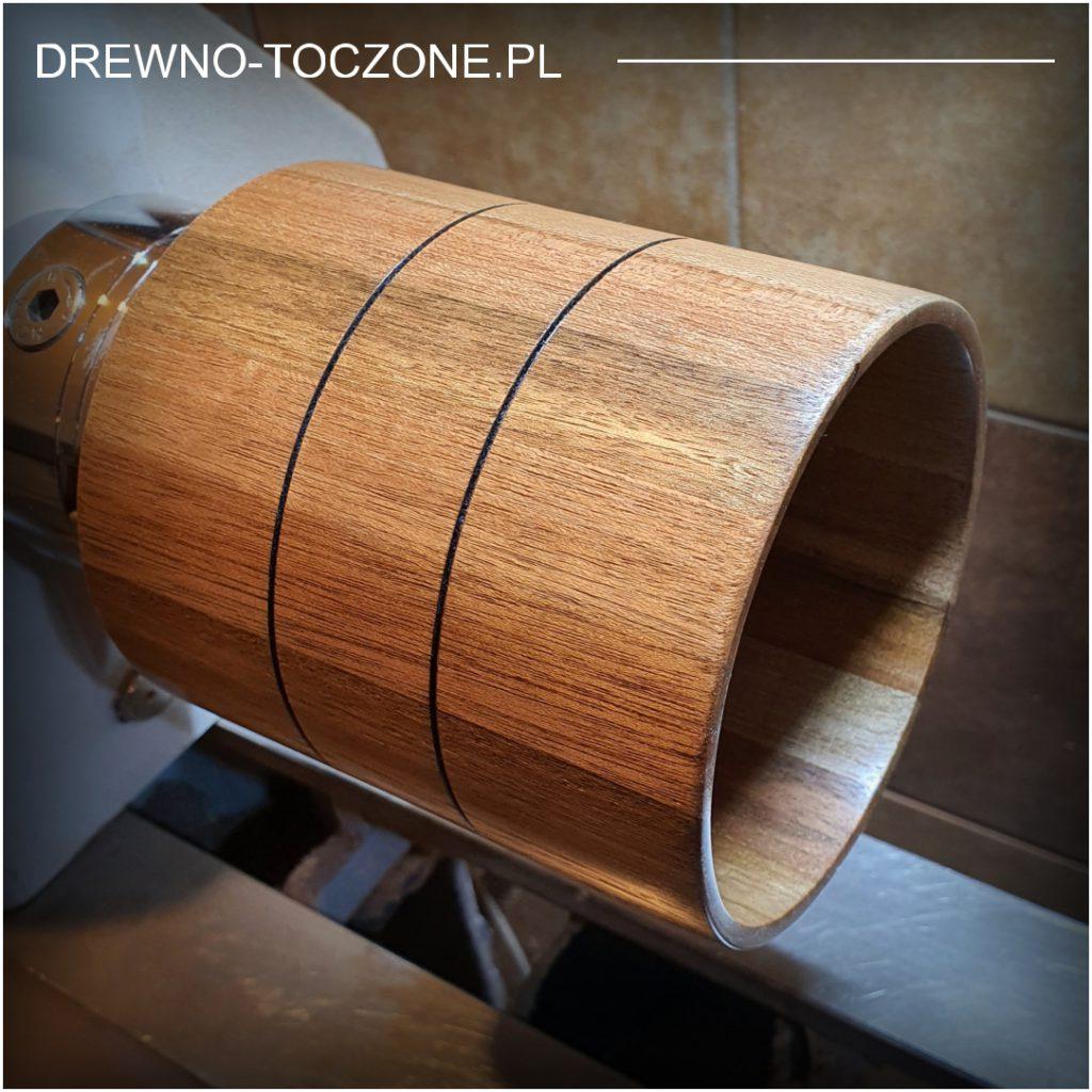 Opis wazonu pojemnika z drewna meranti
