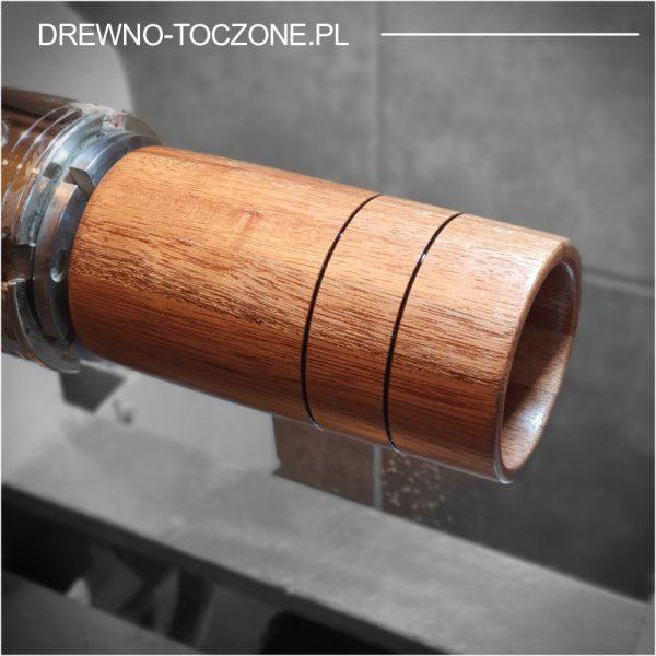 Wysoki kubek wazonik z drewna meranti
