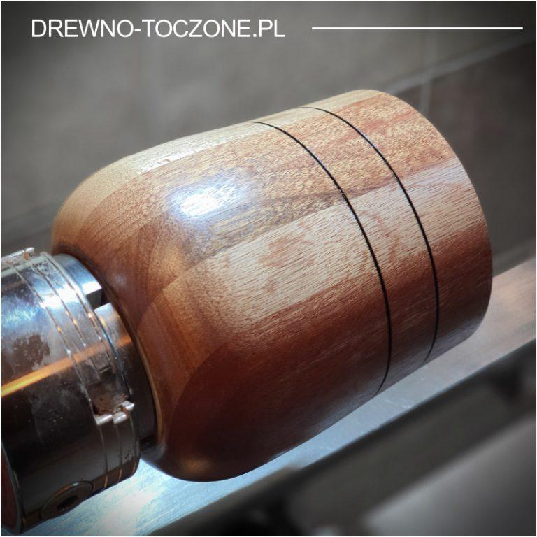 Owalny wazon pojemnik drewniany 4