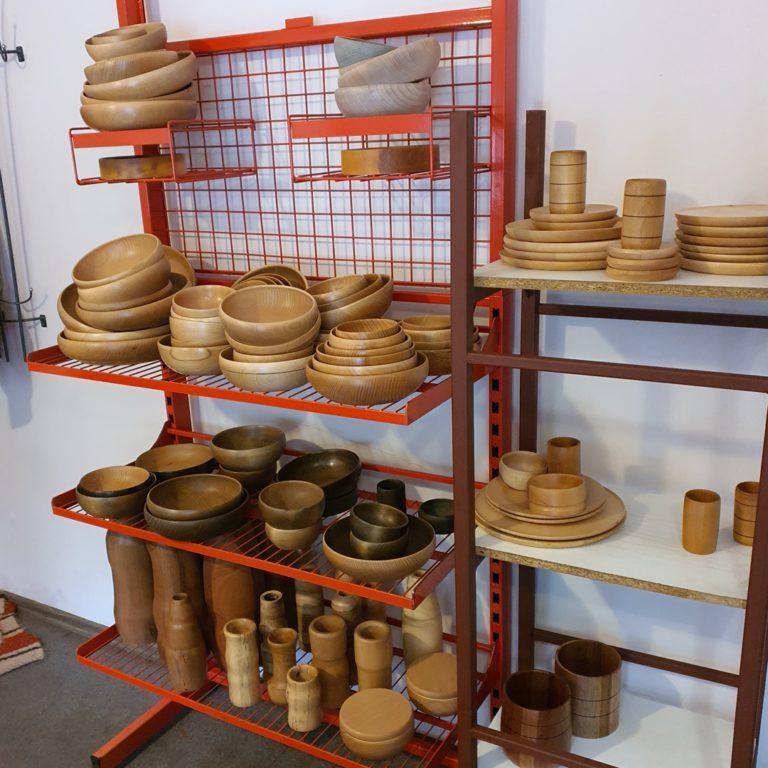 Miski drewniane ekspozycja wyrobów w krzeszowicach