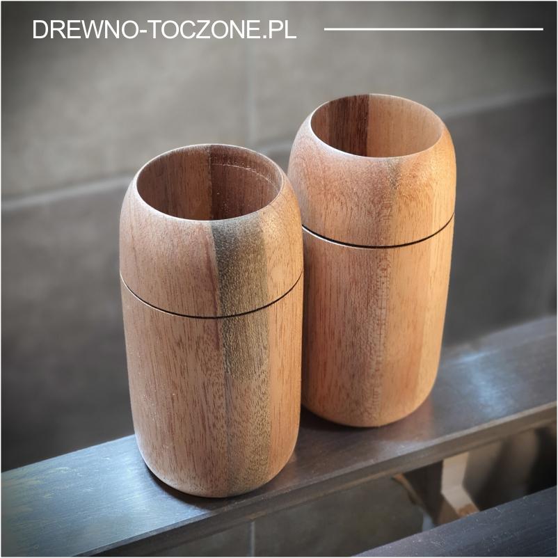 Modny kubek drewniany meranti