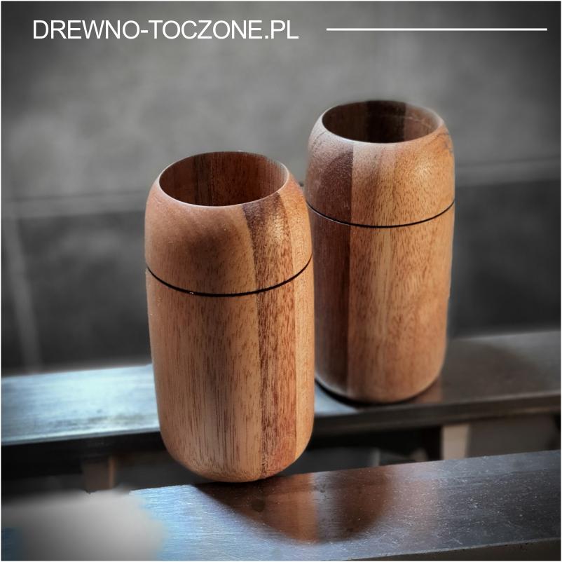 Modny nowy kubek drewniany