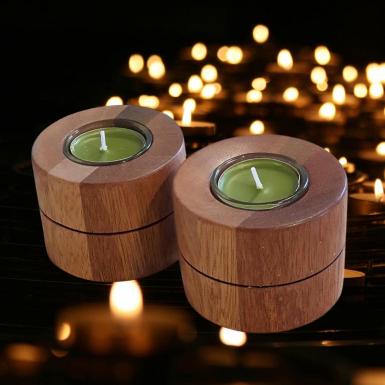Świeczniki z drewna meranti