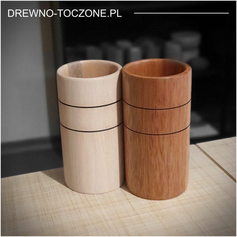 Stylowe kubki drewniane