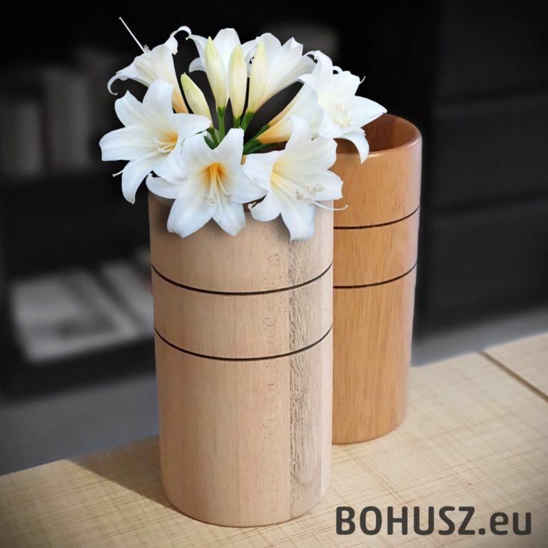 Wazonik stylizowany z kwiatem